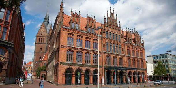 hannover-eski-belediye-binasi